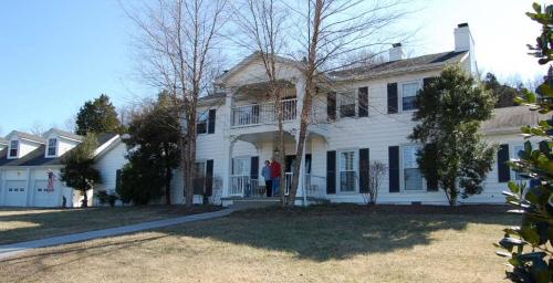 Curley Putman's Homestead